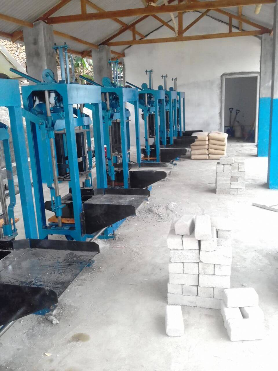 Jual mesin paving block manual di Makassar