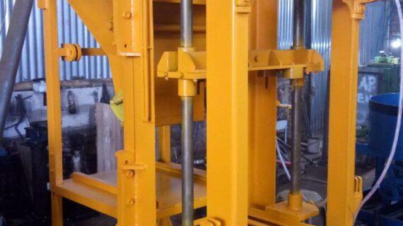Jual mesin paving block di Pandeglang hub 0813.5495.4655